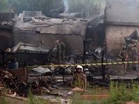 Máy bay quân sự Pakistan rơi trúng khu dân cư, 17 người thiệt mạng
