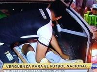 Video tuyển thủ Bolivia bị gãy chân, phải nằm ở... cốp xe taxi đi cấp cứu