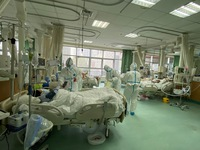 Bác sĩ đầu tiên ở bệnh viện Hồ Bắc chết vì virus corona