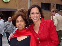 Bà Kamala Harris: Người truyền cảm hứng từ những điều