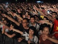 Bạn trẻ cuồng nhiệt với Festival âm nhạc quốc tế Gió mùa