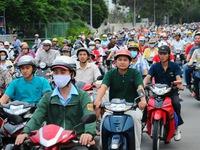 HĐND TP.HCM xem xét thu phí xe máy, bảng giá đất