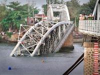Doanh thu đường sắt sụt giảm do sập cầu Ghềnh