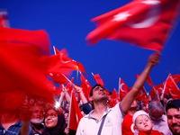 Tổng thống Thổ Nhĩ Kỳ đòi cắt đầu người dính líu đảo chính