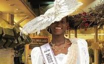 Miss Universe và cô hoa hậu đáng thương từ nước nghèo nhất thế giới