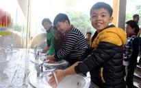 Chương trình 'Sẻ chia nước sạch': Nước sạch về trường
