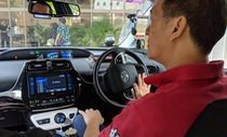 """Singapore cho phép ứng dụng Uber """"sống"""" đến 7-5"""