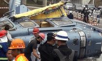 Trực thăng chở người Trung Quốc rơi ầm giữa đường