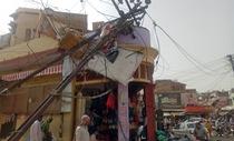 Mưa bão bất thường khắc nghiệt quần thảo Ấn Độ