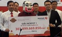 Chủ nhân vé số Vietlott 304 tỉ lĩnh thưởng, làm từ thiện 3 tỉ