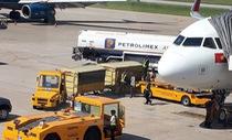 Giá vé máy bay Việt Nam đắt đỏ do giá xăng cao