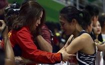 'Nữ hoàng tốc độ' Tú Chinh bật khóc sau khi ngoạn mục giành HCV 100m