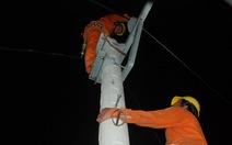 Trắng đêm nối điện trên quốc lộ 1