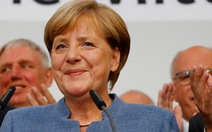 Bà Merkel thắng mà lo