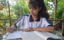 Phượng 'tí hon' và ước mơ làm cô giáo