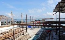 Nhà hàng lấn biển trái phép ở Vũng Tàu tự tháo dỡ