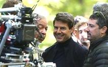 Tom Cruise quay lại phim trường sau tai nạn bể mắt cá chân