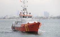 30 giờ vượt sóng gió cứu ngư dân trên biển Hoàng Sa