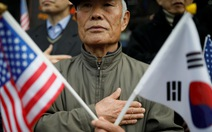 Hai thái cực ở Hàn Quốc trước ngày ông Trump đến