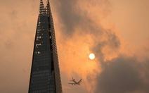 Bầu trời London đổi màu kỳ dị