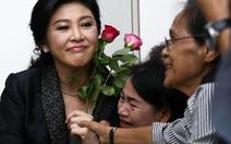 Xe bà Yingluck chạy về phía biên giới Campuchia