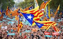 Catalonia sẽ tách khỏi Tây Ban Nha hay bị tước quyền tự trị?