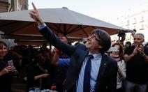 Ban lãnh đạo Catalonia tuyên bố vẫn đi làm dù bị phế truất