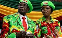 Về hưu, cựu tổng thống Zimbabwe vẫn nuốt bộn tiền của dân