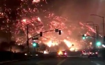 Cháy rừng lan đến khu nhà giàu Nam California