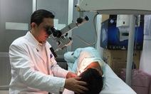 Lùng bùng lỗ tai khi bác sĩ phán bị thủng màng nhĩ