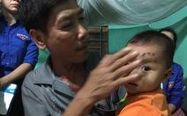 Nhân chứng lở núi kể chuyện bé 16 tháng tuổi sống sót kì diệu