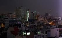 Vì sao TP.HCM mưa dông 'khủng' trong đêm?