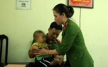 Để nhận cháu bé bị bỏ rơi, người thân cần xét nghiệm ADN
