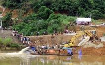 Chưa tìm thấy 3 công nhân mất tích vụ sập cầu đang xây