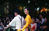 """Đông Nhi mặc áo dài hát """"Ai yêu Cô Ba Sài Gòn""""!"""