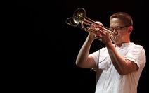 Nghệ sĩ trumpet gốc Việt 2 lần đoạt Grammy về Việt Nam