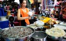 Ở Sài Gòn, ăn cá khô Campuchia, sầu riêng Thái Lan