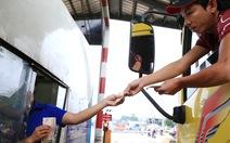 CSGT Đồng Nai mời tài xế đưa tiền lẻ tại trạm BOT lên làm việc