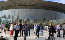 Lỗi kỹ thuật của Dow Jones khiến tin giả Google thâu tóm Apple lan truyền