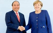 Thủ tướng Nguyễn Xuân Phúc chúc mừng bà Merkel thắng cử