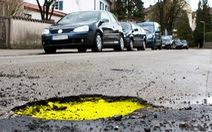 Anh: Chống nứt mặt đường từ… dầu hướng dương