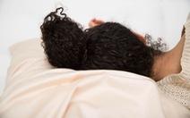 Dưỡng tóc khi ngủ - cách đơn giản giúp tóc hết xơ rối, gãy rụng