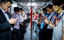 Sự thật về kiểu làm kiệt sức đến chết ở Hong Kong