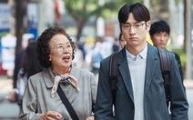 Bà ngoại… học tiếng Anh sẽ chao đảo phòng vé Việt?