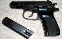 Nhân viên khách sạn tàng trữ súng K.59 cùng 182 viên đạn