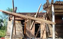 Lốc xoáy trong đêm, 134 nhà bị tốc mái