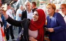 Bà Merkel chưa có đối thủ xứng tầm
