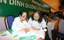 Quận 1 khám sức khỏe và tư vấn dinh dưỡng cho người cao tuổi