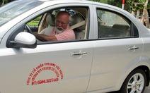 Người khuyết tật một chân bị cấm lái ôtô?
