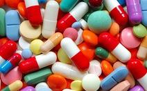 Yêu cầu tạm ngưng nhập thuốc của công ty liên quan đến tham nhũng